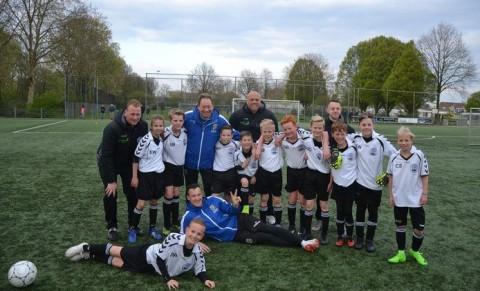 Slutsky lost belofte in en geeft training aan team van zieke Vitesse-fan (10)