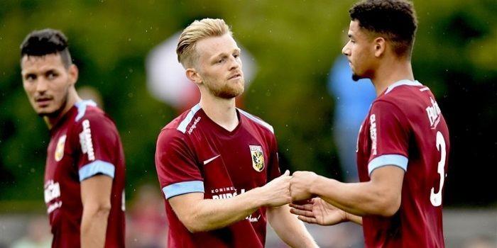 Bayer Leverkusen - Vitesse spelen gelijk