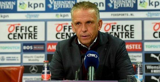 'Vitesse slaat nieuwe weg in: dagen van interim-trainer Sturing lijken geteld'